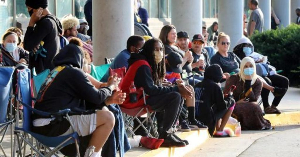 Americans Face Lapse In Jobless Aid Due To Outdated State Systems