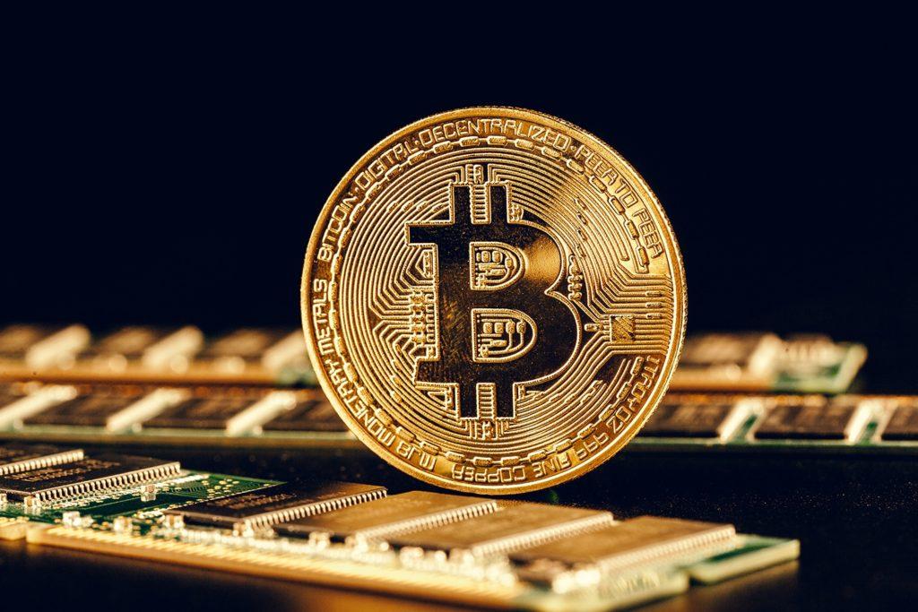 Bitcoin Doesnt Pose A Serious Threat To US Dollar Says Feds Bullard