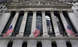 US Economy Poised For A Boom, But Economists Worried
