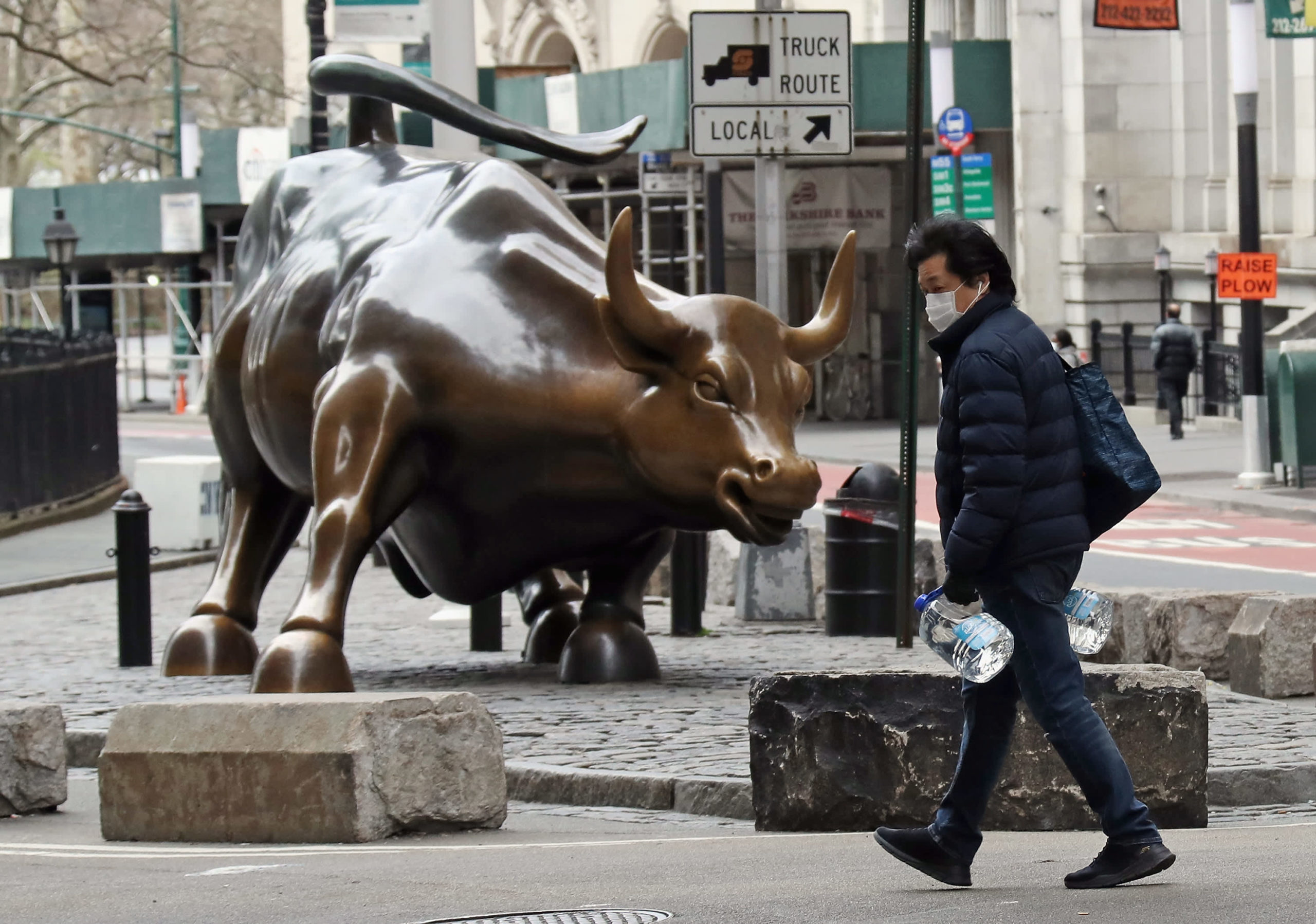 Stock Futures Dip After Dow And S&P500 Hit Fresh Records